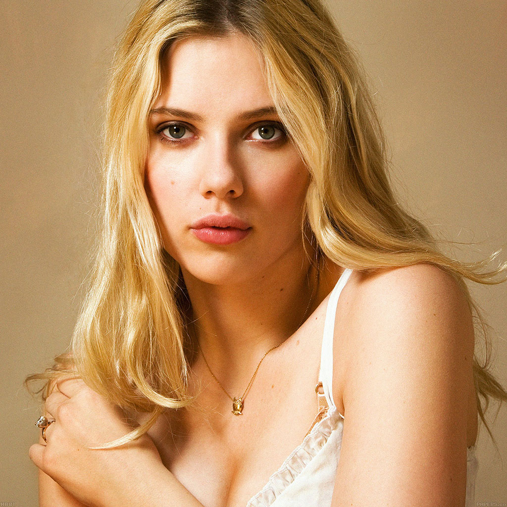 wallpaper-hb81-scarlett-johansson-sexy-star-wallpaper