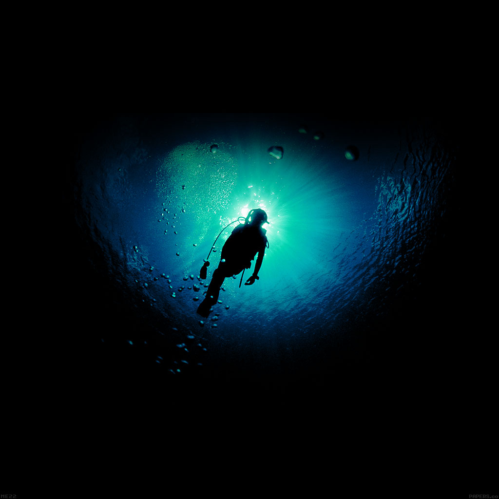wallpaper-me22-deep-blue-green-ocean-dive-wallpaper