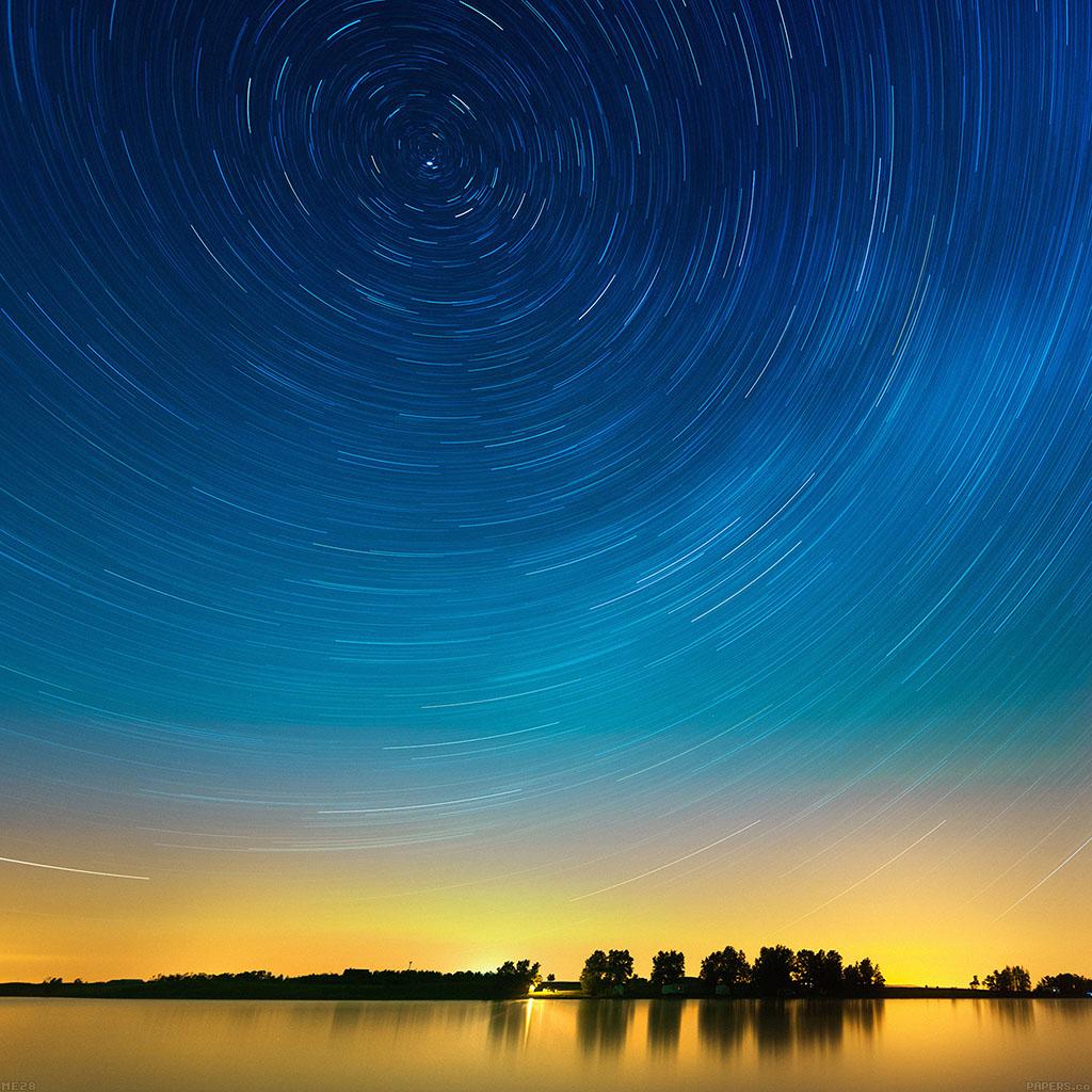 wallpaper-me28-star-gazing-night-on-lake-wallpaper