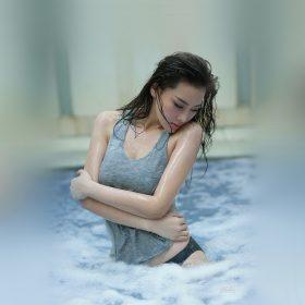 hi82-chinese-asian-girl-sexy-bikini-swim-water
