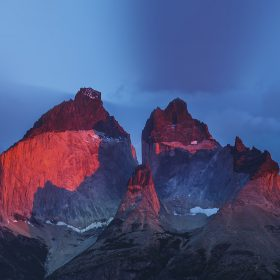 nd72-yosemite-mountain-red-blue-nature-cold