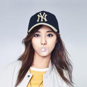 hm93-kpop-girl-tzuyu-mlb-bubble-asian