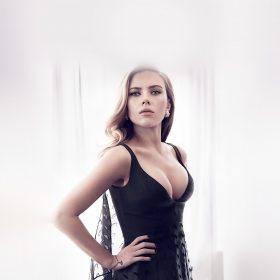 ho52-scarlett-johansson-girl-film-sexy-hero