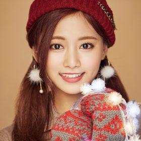 ho99-christmas-girl-twice-tzuyu-happy