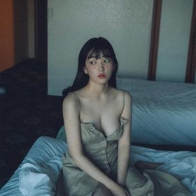 hq15-girl-sexy-bed-asian