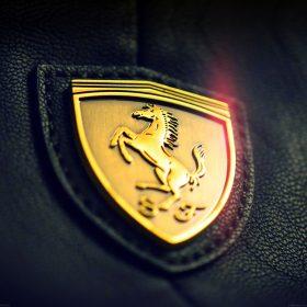 aa22-gold-ferrari-logo-art