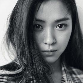 hs63-girl-asian-kpop-bw-face